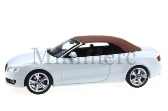 Audi A5 Cabriolet Diecast Model