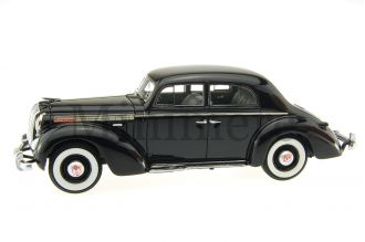 Opel Admiral limousine Scale Model