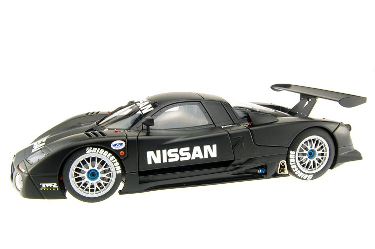 Nissan R390 Scale Models